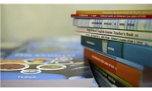 Gerici Akit yazarı Fen Bilgisi kitaplarını hedef aldı