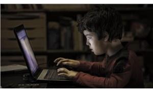 Yalnızlaşan çocuk aileye bir uyarıdır