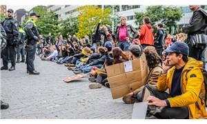 """""""Hollanda'da iklim değişikliğine karşı eylemler sürüyor"""""""