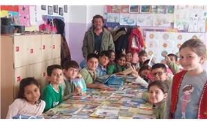 Örenli berberden binlerce çocuğa kitap