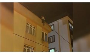 Yakalanacağını anlayan kapkaççı çatıya çıkarak intihar girişiminde bulundu