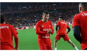 Emre Belözoğlu, Fransa maçında forma giyemeyecek