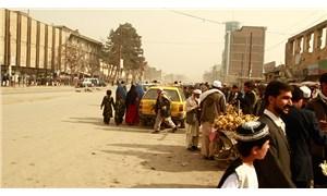 Afganistan parlamentosuna roketli saldırı