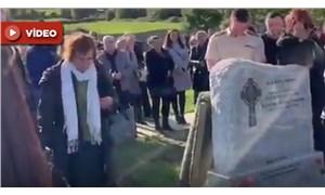Kendi cenazesi için hazırladığı sürpriz gelenleri güldürdü