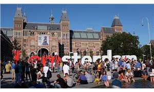 Hollanda'da bir bodrumda, 9 yıldır 'dünyanın sonunu' bekleyen aile bulundu