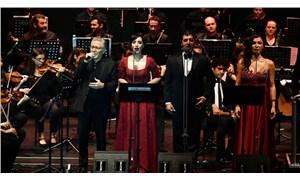 İzmir'de, Zülfü Livaneli'ye büyük ilgi