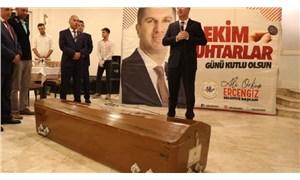 Burdur'da belediye başkanı muhtarlara tabut hediye etti