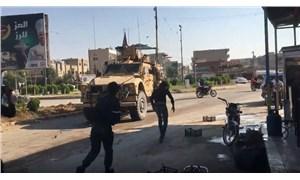 Suriye'den çekilen ABD askerleri taşlandı