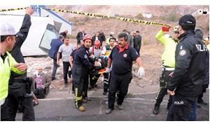 Kayseri'de işçileri taşıyan midibüs devrildi: 20 yaralı
