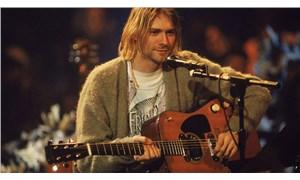Kurt Cobain'in ikonik 'depresyon hırkası' açık artırmada