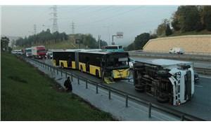 İETT otobüsü kamyonete çarptı: 1 yaralı