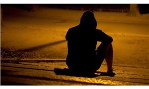 Geleceğe güvensizlik intihara sürüklüyor