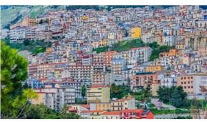 """İtalyan kasabası """"1 euro'ya ev"""" furyasında çıtayı yükseltti: Bedava verilecek"""