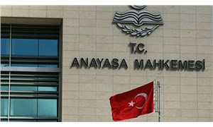 AYM'den emsal karar: Bakan'ı protesto eden öğretmenin cezalandırılması örgütlenme özgürlüğünü ihlaldir!