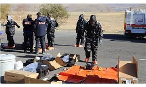 Antalya'da evlerinde ölü bulunan 4 kişilik aile, geniş güvenlik önlemleriyle toprağa verildi