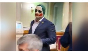 Ukrayna Parlamentosu'nda 'Joker' maskeli protesto