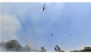 Avustralya'daki yangınlara müdahale eden bir helikopter düştü