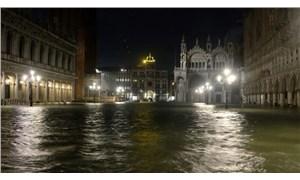 Venedik'te son 53 yılın en büyük su baskını: Kentin yüzde 80'i sular altında