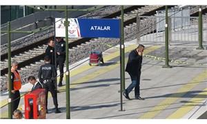 Kartal'da raylara düşen adam Marmaray treninin altında kaldı