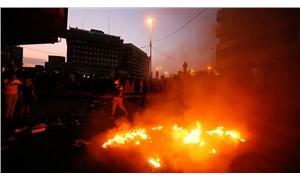 Irak'ta gösterilerin sürdüğü meydana bombalı saldırı!