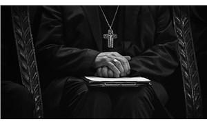 Kanada'da 36 papaz, 29 çocuğa cinsel tacizde bulundu