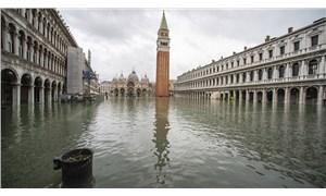 Venedik yeniden sular altında kaldı