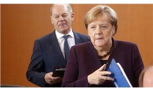 Merkel: Türkiye'ye ek mali yardımda bulunmaya hazırım