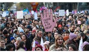 Fransa'da binlerce kişi kadına yönelik şiddeti protesto etti