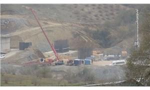 Viyadük inşaatında iskeleden düşen 3 işçi yaralandı