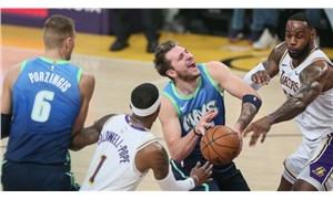 Mavericks, Lakers'ın 10 maçlık galibiyet serisine son verdi