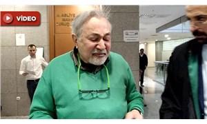 Cem Yılmaz'a dava açan Prof. Kural, kararı duyunca gözyaşlarını tutamadı
