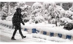Maraş'ta eğitime kar engeli