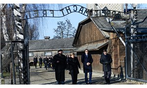 Merkel, Nazilerin toplama kampı Auschwitz'i ilk kez ziyaret etti