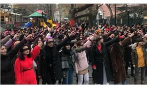 İstanbul'da kadınlar polis müdahalesine rağmen Las Tesis'in 'danslı protestosunu' gerçekleştirdi