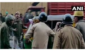 Yeni Delhi'de yangın: En az 34 kişi öldü