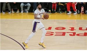 Anthony Davis 50 sayı attı, Lakers kazandı