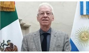 Kitap çalmakla suçlanan büyükelçi geri çekildi