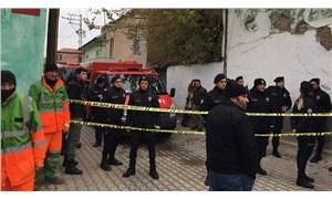 Konya'da 2 katlı kerpiç bina çöktü: 3 ölü