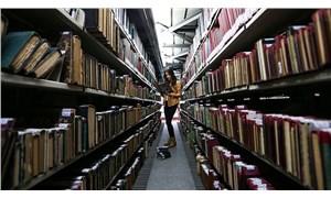 Kütüphaneyi yıktılar, camiyi genişlettiler