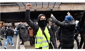 'Macron istifa' sesleri