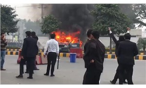 Pakistan'da avukatlar hastane bastı: 3 ölü