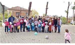 Çiğli Belediyesi Çocuk Tiyatro ekibi hiç tiyatro izlememiş çocuklarla buluştu