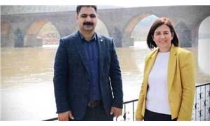 Sur Belediye Eş Başkanı Özdemir gözaltına alındı