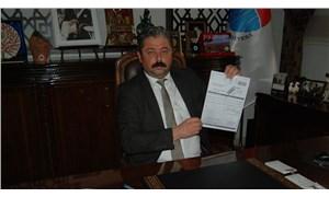 AKP döneminden kalan borçları ödeyebilmek için makam aracını satışa çıkardı