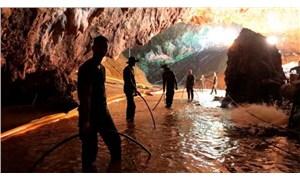Tayland'da 12 çocuğu mağaradan kurtaran dalgıç yaşamını yitirdi