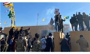 Iraklı protestocular ABD'nin Bağdat Büyükelçiliği'ni bastı