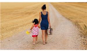 Boşanan kadın çocuğuna soyadını verebilir mi?