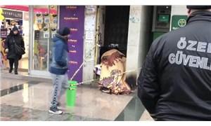 İstanbul'da bir kişi kaldırımda donarak yaşamını yitirdi