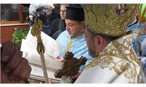 Geleneksel haç çıkarma töreni Üsküdar'da yapıldı