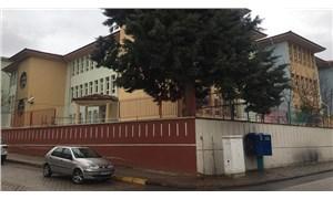Öğrencilerine cinsel istismarda bulunduğu iddia edilen öğretmen serbest bırakıldı